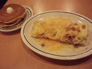 healthy-meal-ideas-from-americas-fast-food-restaurants-omelette-and-pancakes